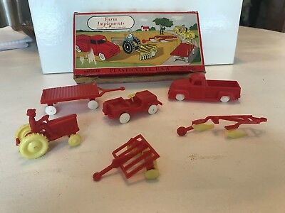 PLASTICVILLE VINTAGE FARM IMPLEMENTS #1302 RED AND YELLOW WITH BOX Train