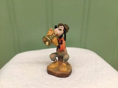 "Disney Anri 1 3/4"" Miniature Wood Carving Goofy Playing the Horn Fabulous piece"