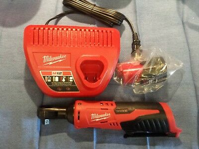 Milwaukee Cordless Ratchet M12 12V lithium ion 3/8 2457-20 w/ battery & charger
