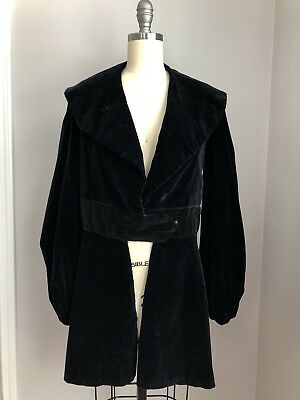 Vintage 1920's 1930's Black Velvet Silk Lined Evening Jacket Size XS Small