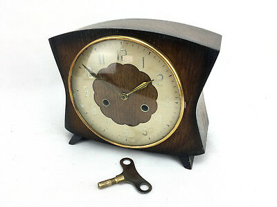 English Wood Case Clock Smiths 8 Day Chime Gong Key Winder Brass Movement