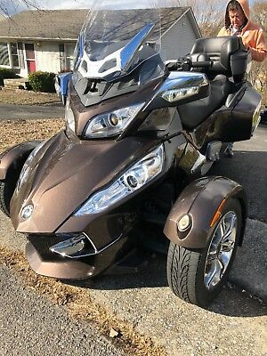 2012 Can-Am Spyder  2012 Can-Am Spyder RT Limited - SE5