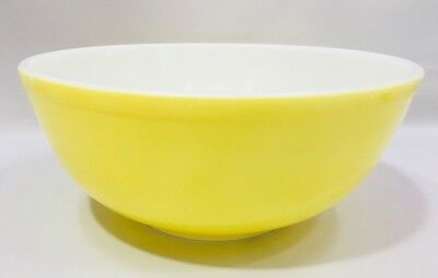 Large Vintage Pyrex #404 Yellow 4 Qt. Mixing Bowl - Good Condition