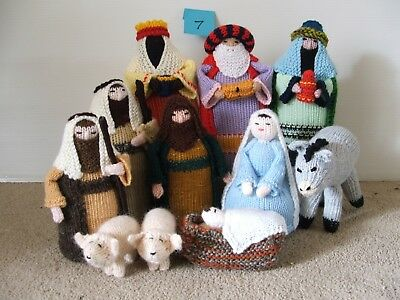 NEW Awesome Knitted NATIVITY SET, 11 pieces