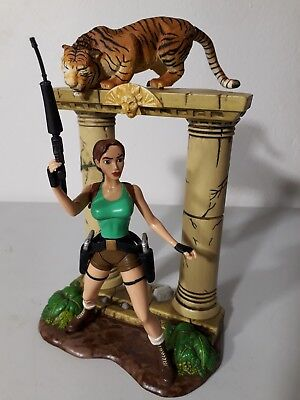 @@@ Tomb Raider Lara Croft Encounters The Savage Bengal Tiger Action Figur @@@