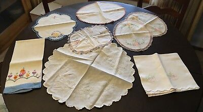 Vintage Lot Of 8 Beautiful Crocheted Embroidered Linens For Resell Crafts   13B