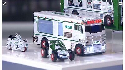 2018 Hess Holiday Toy Truck New In Box.  FAST  SHIPPING