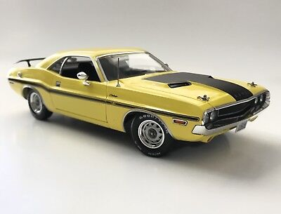 NCIS 1970 Dodge Challenger R/T Yellow 1/18 HTF 1 Of 300