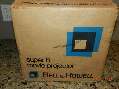 476Z  Bell & Howell Movie Projector   Super 8-8 mm VTG with box