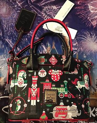 Disney Parks Dooney And Bourke 2018 Holiday AP Passholder Exclusive Crossbody
