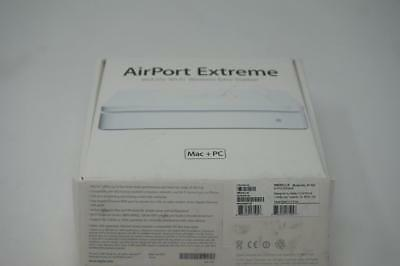 Apple Apple AirPort Extreme 802.11n Base Station Wireless N Router A1143 Y069