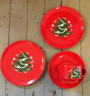 Waechtersbach Red Holiday Christmas Tree Tea Coffee Cups & Saucer & 2 Plates