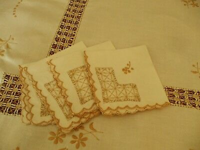"Vintage cream  lace & hand embroidered linen tablecloth & 4 napkins 41"" x 40"""
