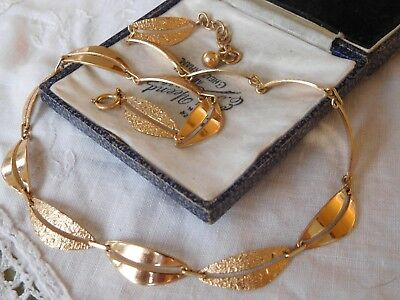 Lovely Decorative Vintage 1960s Rolled Gold Necklace