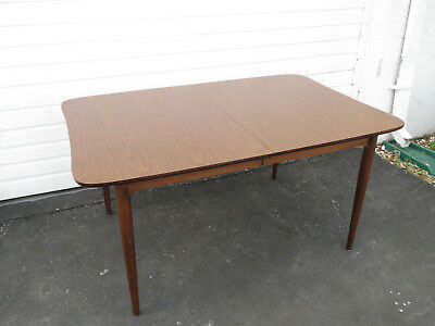 MID CENTURY MODERN Dining Room Table by Bassett Furniture ...