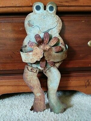 "Primitive vintage antique home/yard art rustic decor rusted metal frog  15""x6.5"""