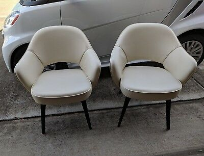 Pair Eero Saarinen for Knoll Executive Arm Chairs vintage mid century style