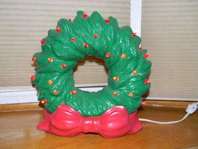 Vintage Ceramic Holiday Christmas Wreath Red Bow with Red Colored Lights