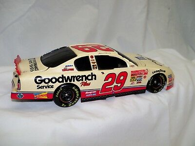 Nascar Snap On Goodwrench Rookie of the Year Kevin Harvick 2001 1/24 scale model