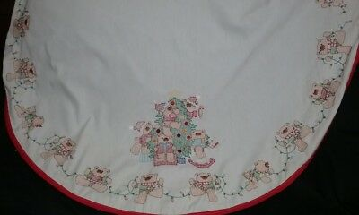 """Vintage Christmas Tablecloth Hand Embriodery Teddy Bears Cross Stitch, Round 45"""""""