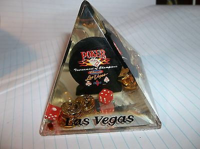 Vegas Poker Tournament Champions Pyramid Penholder Paperweight Coins Dice Chip