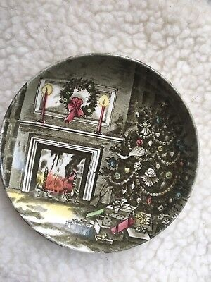 JOHNSON BROTHERS CHRISTMAS  SMALL Miniature COLLECTORS PLATE  ENGLAND