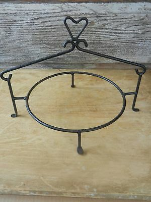 Vintage Wrought Iron Pie Plate Pie Tin Holder with Heart Shaped Top