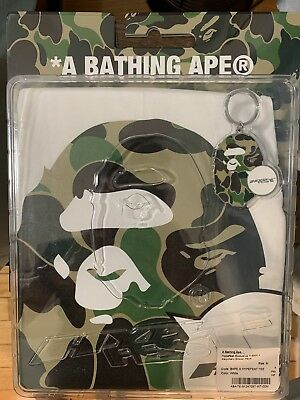 35a99af43 A Bathing Ape BAPE x HypeFest Exclusive T-shirt and Keychain Pack Size M