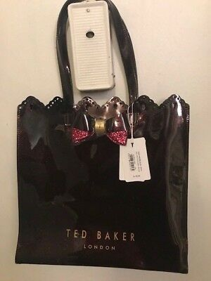 9382f01f82a0 TED BAKER