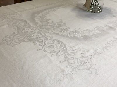 """Vintage Bright White Tulip Floral 70"""" x 88"""" Rectangle Damask Tablecloth (RF843)"""