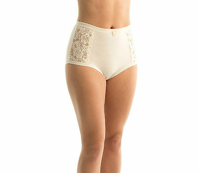 TRIUMPH - COTTON & LACE FULL BRIEF BEIGE Sz 16 -  26 NEW FREE POSTAGE