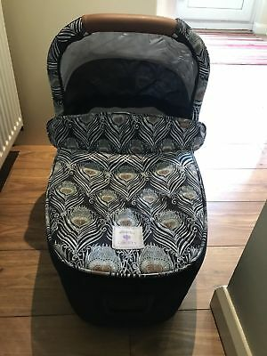 Mamas And Papas Limited Edition Liberty Print Carrycot For Armadillo Flip pram