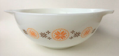 Pyrex Vintage Town & Country #444 Cinderella Mixing Bowl 4 QT Brown Orange Stars