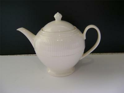 "Lovely 2 Pint Teapot in ""Windsor"" Design by Wedgwood."