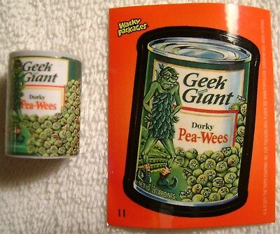 """1"""" Wacky Packages Geek Giant Dorky Pea-Wees Eraser Sticker Card Topps 2011 Green"""