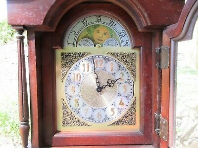HERITAGE TALL CASE CLOCKVintage clock in antique style. With weights. 17 1/2 x