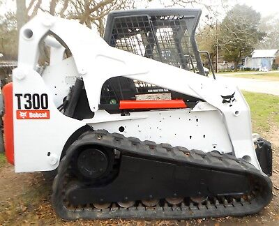 2008 Bobcat T300 Skid Steer with Tracks 2672 Hours 81 hp Good Condition