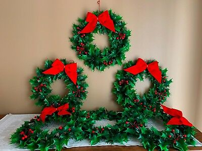 Vintage Plastic Christmas Winter Lot Of 6 Wreaths~Holly Leaf~Red Berries~Red Bow