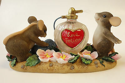 Fitz & Floyd CHARMING TAILS Mouse Figurine I'M UNDER YOUR SPELL 84/102 Perfume