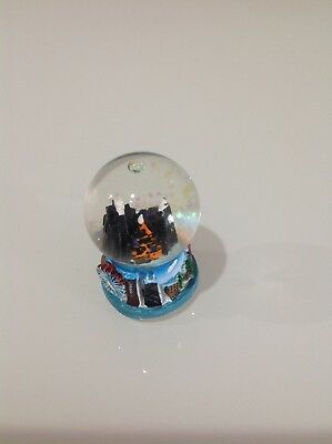 Glass Paperweight Circle Shaped Bubble Chicago Building Navy Pier Big SALE $0.99