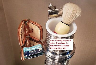 "(636) Vintage Gillette ""Travel Tech"" Safety Razor - 1962 H4"