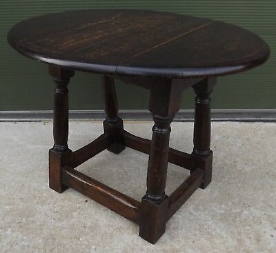 Vintage Solid Oak Small Drop-Leaf Side Occasional Table in the Antique Style