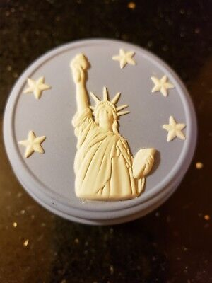 Wedgewood blue and white small music box, patriotic song, Statue of Liberty