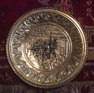 Vtg Repousse Brass Wall Hanging Plate Charger ~English Pub Scene~Made in England