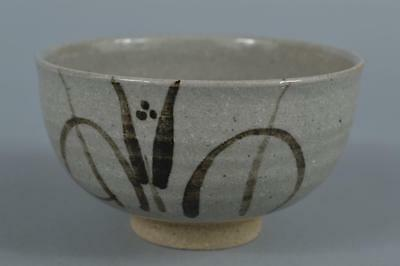 R5739: Japanese Karatsu-ware glay glaze Muffle painting TEA BOWL Green tea tool