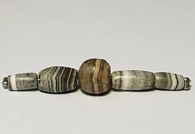5 Ancient Rare Indo-Tibetan Banded Solomon´s Agate Beads