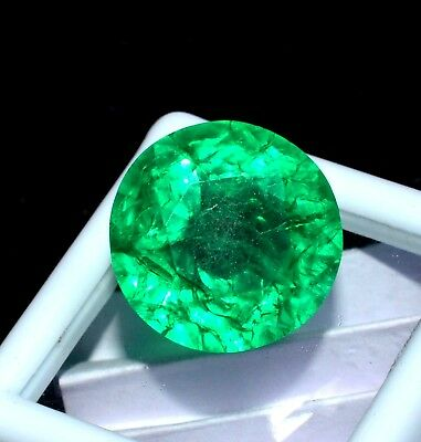 VVS 17.70 Ct Natural Colombian Green Emerald Certified Gemstone CERTIFIED K65654
