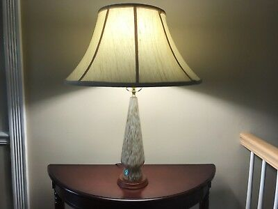 Vintage Mid-Century Venetian Balboa White with Gold flaked table lamp.