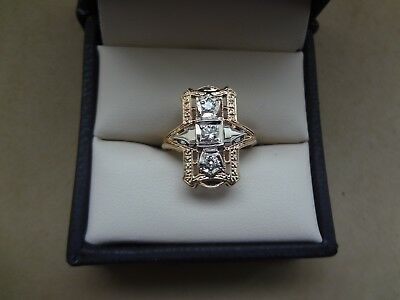 Lovely Vintage Art Deco 14K Yellow Gold Filigree Elongated 3 Stone Diamond Ring