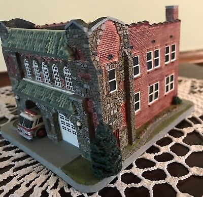 1995 Danbury Mint Classic American Firehouses - Charlotte Fire Station No. 6